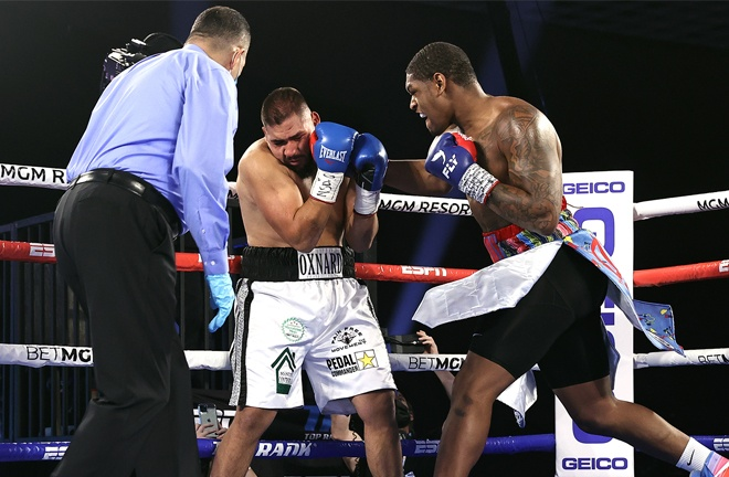 Heavyweight prospect Jared Anderson made it seven straight KO wins Photo Credit: Mikey Williams/Top Rank