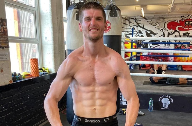 Macaulay McGowan fights for his first professional title Photo Credit: MTK Global