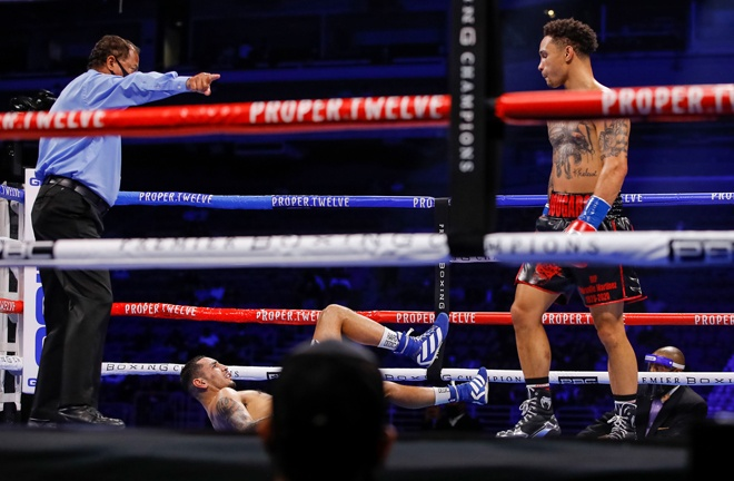 Regis Prograis returned to winning ways with a third round stoppage over Juan Heraldez Photo Credit: Esther Lin/SHOWTIME
