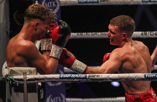 Jack Rafferty secured a points win over Tom Hill after an entertaining affair Photo Credit: Scott Rawsthorne/MTK Global