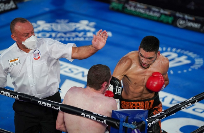 Hamzah Sheeraz defended his WBO super-welterweight crown with a final round stoppage of Guido Nicolas Pitto Photo Credit: Round 'N' Bout Media/Queensberry Promotions