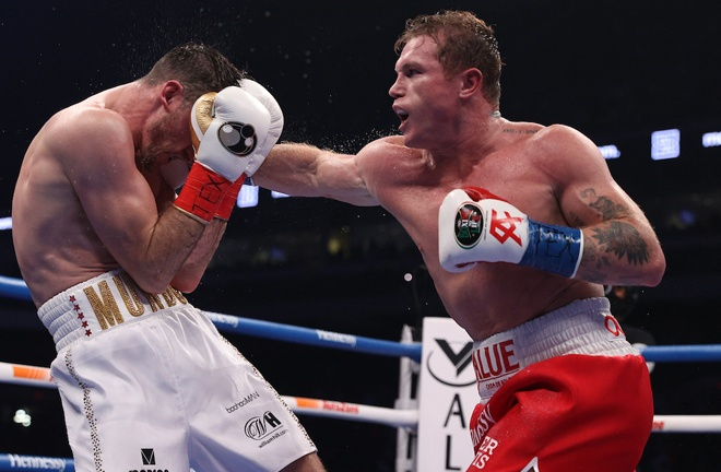 Canelo dominated proceedings inflicting a first defeat on Smith in Texas Photo Credit: Ed Mulholland/Matchroom Boxing