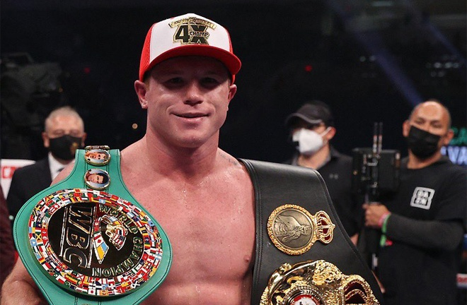 Canelo claimed the WBA 'Super', WBC and Ring Magazine Super Middleweight titles at the Alamodome Photo Credit: Ed Mulholland/Matchroom Boxing