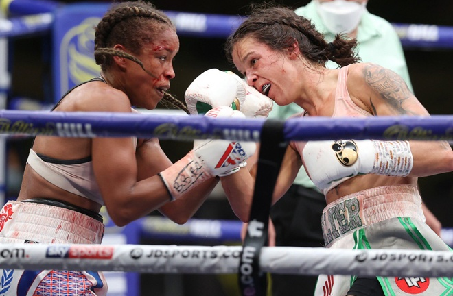 Terri Harper retained her WBC & IBO Super-Featherweight World titles after a thrilling split draw with Natasha Jonas at Matchroom HQ in August Photo Credit: Mark Robinson/Matchroom Boxing