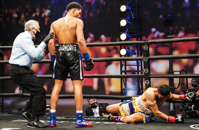 Morrell Jr landed a first round knockdown as he eased past Gavronski Photo Credit: Sean M Ham/TGB Promotions
