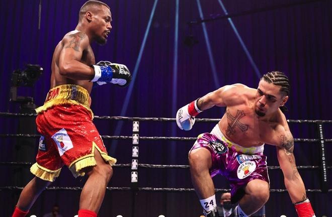 Raeese Aleem dropped Vic Pasillas on four occasions to claim the WBA Interim Super Bantamweight crown Photo Credit: Amanda Westcott/SHOWTIME