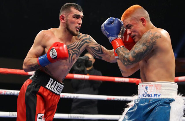 Jo Jo Diaz and Shavkat Rakhimov were held to a majority draw as the IBF Super Featherweight title remained vacant Photo Credit: Tom Hogan-HoganPhotos/Golden Boy Promotions