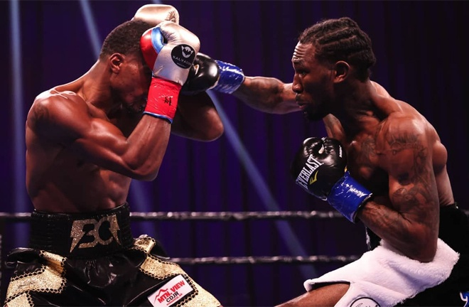 Robert Easter Jr secured a unanimous decision victory over Ryan Martin Photo Credit: Amanda Westcott/SHOWTIME