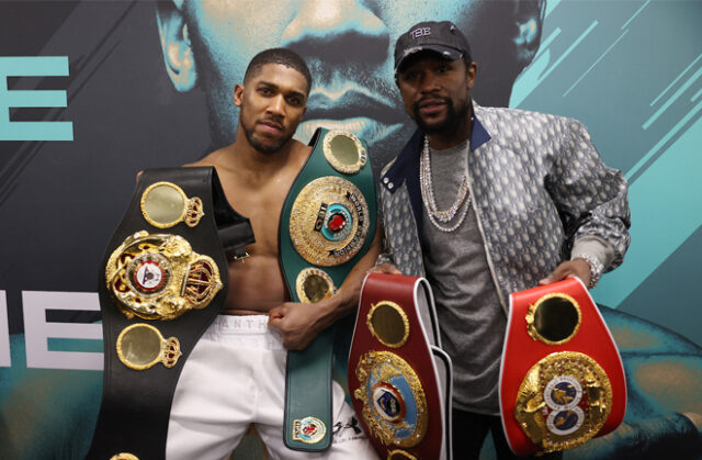 Anthony Joshua and Floyd Mayweather Jr in the dressing room after the former's win over Kubrat Pulev Photo Credit: Mark Robinson/Matchroom Boxing