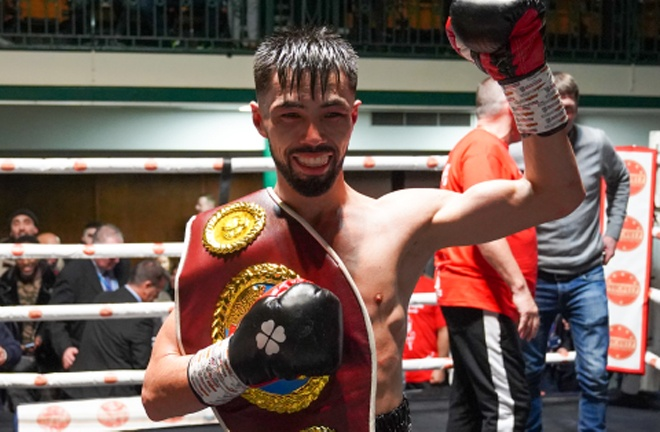 Khademi is the WBO European Super Flyweight champion Photo Credit: Round 'N' Bout Media/Queenbserry Promotions