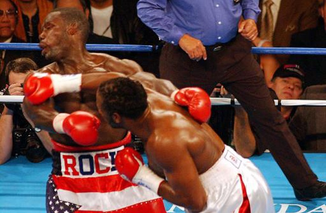 Lennox Lewis knocked out Hasim Rahman in their rematch