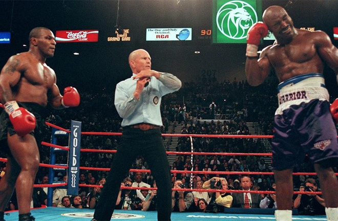 Kahn oversaw proceedings ahead of Mike Tyson's infamous rematch with Evander Holyfield in 1997 Photo Credit: AFP / Jeff Haynes