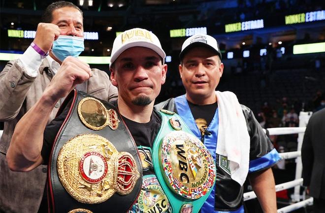 Estrada became unified WBC and WBA Super Flyweight champion Photo Credit: Ed Mulholland/Matchroom