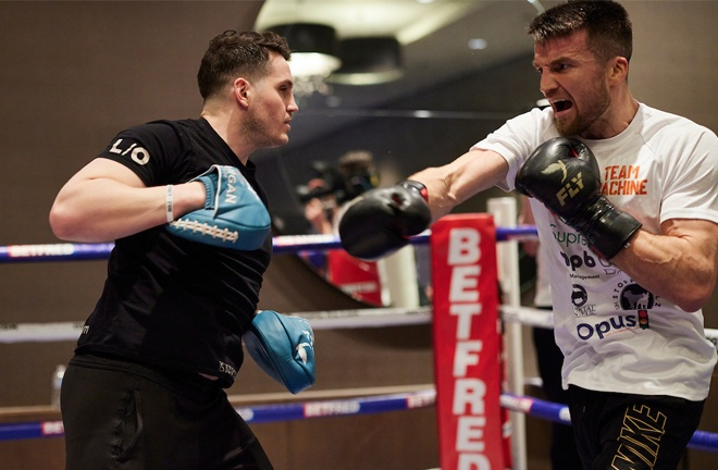 Fowler hit the pads with trainer Shane McGuigan during Wednesday's public workout from the bubble Photo Credit: Mark Robinson/Matchroom Boxing