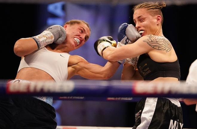 Ellie Scotney impressed to pick up her second win, defeating Mailys Gangloff Photo Credit: Dave Thompson/Matchroom Boxing