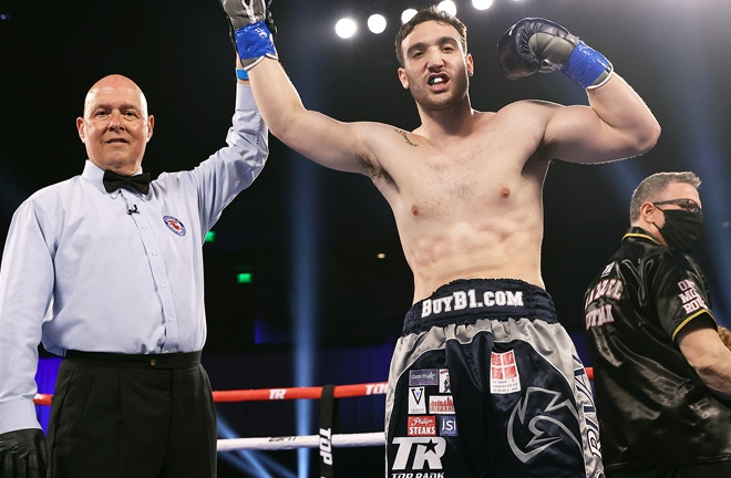 Heavyweight prospect Sonny Conto claimed his seventh straight win Photo Credit: Mikey Williams/Top Rank via Getty Images