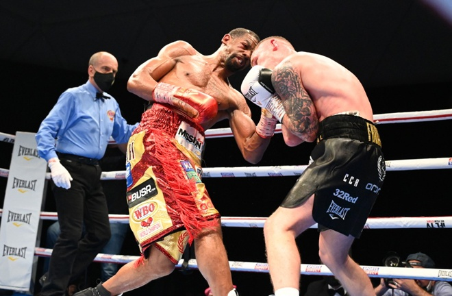 Herring knocked Frampton down twice Photo Credit: D4G Promotions