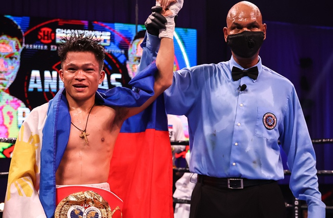 Jerwin Ancajas made a ninth straight defence of his IBF Super Flyweight title Photo Credit: Amanda Westcott/SHOWTIME