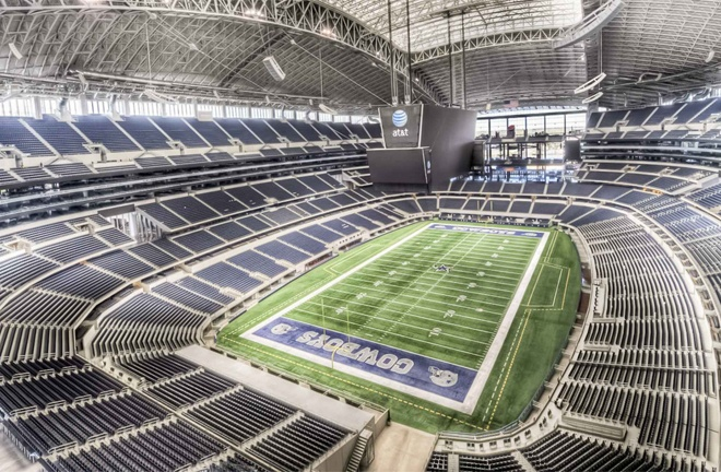 The ring must be 22ft inside the AT & T Stadium, Saunders' father has said
