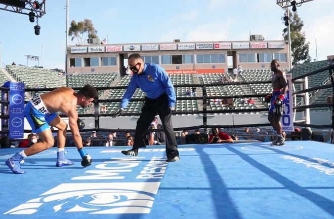 Kevin Johnson was victorious with an 8th round stoppage in the 'Punch Bowl'