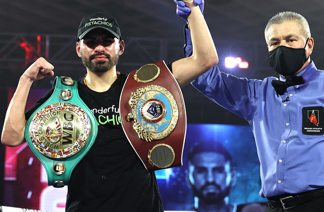 Ramirez puts his WBC and WBO world titles on the lines Photo Credit: Mikey Williams/Top Rank