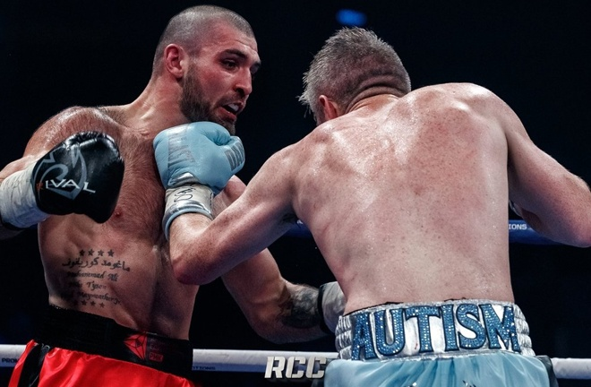 Smith was widely believed to have done enough to beat Kurbanov Photo Credit: RCC Boxing Promotions
