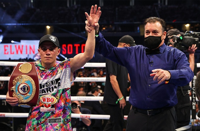 Soto retained his WBO Light Flyweight title Photo Credit: Ed Mulholland/Matchroom
