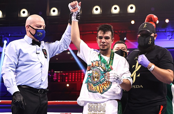 Jose Zepeda remained on course for another world title shot after beating Henry Lundy Photo Credit: Mikey Williams/Top Rank via Getty Images