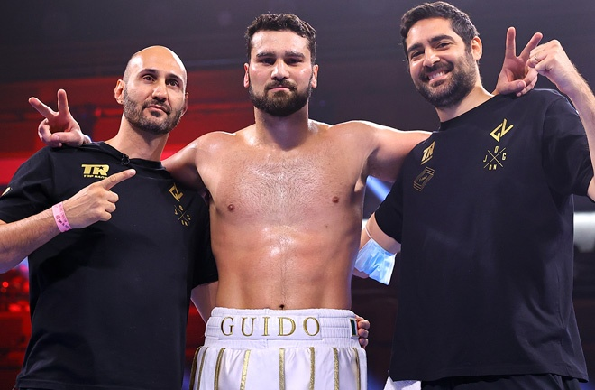 Heavyweight prospect Guido Vianello extended his undefeated record Photo Credit: Mikey Williams/Top Rank via Getty Images