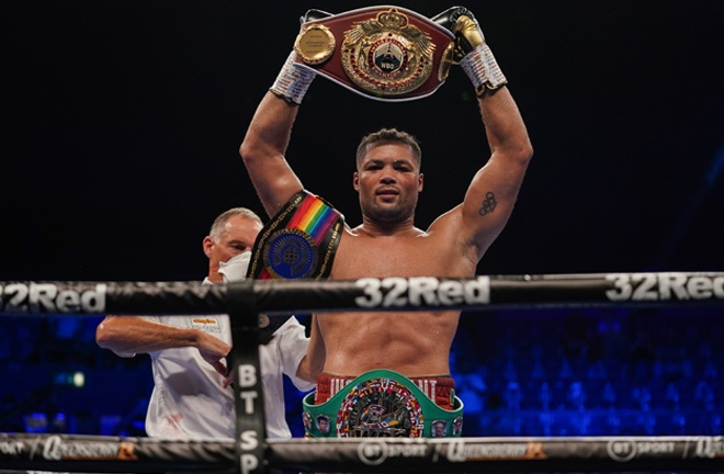 Joyce defended three belts, as he closed in on the winner of Anthony Joshua vs Oleksandr Usyk Photo Credit: Queensberry Promotions