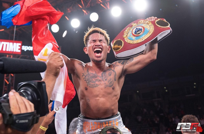 Casimero couldn't hide his delight after the scorecards were announced and confirmed his successful defence of his his WBO bantamweight title.