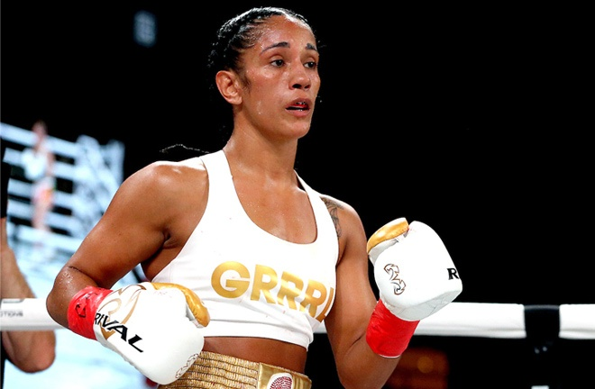 Amanda Serrano defends her featherweight world titles against Yamileth Mercado Photo Credit: Ed Mulholland/Matchroom Boxing USA