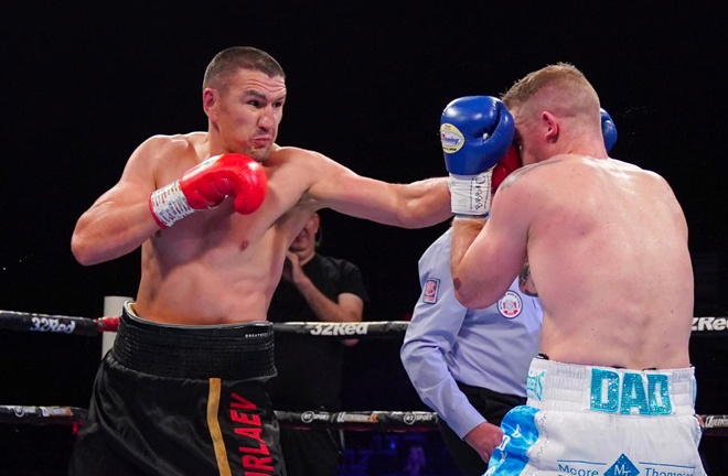 Server Emulaev a tough nut to crack for Callum Johnson who had to go the distance to see the Russian out. Photo Credit: Frank Warren.